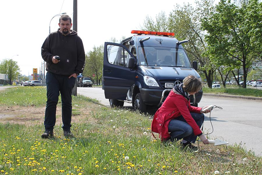 RanidSONNI mobile radiological laboratory in radiological survey in Kyiv